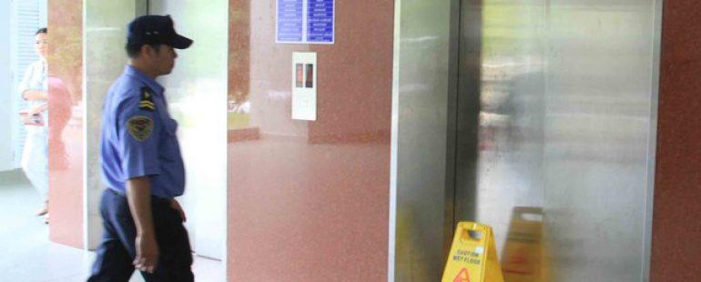 Thang máy bệnh viện 10