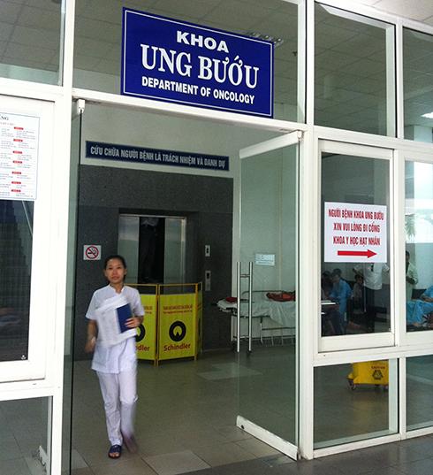 Thang máy bệnh viện 12